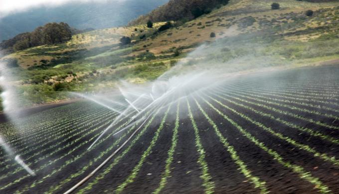4_groundwater_spray_irrigation_flickr